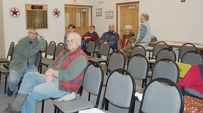 Damariscotta residents discuss ordinance changes at the board of selectman's meeting Jan. 21. (E. Elliott photo)
