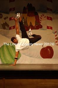 Dancing hip hop, W. Barry Dean seems to literally defy gravity. (Paula Roberts photo)