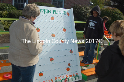 A disappointing result at Pumpkin Plinko. (J.W. Oliver photo)