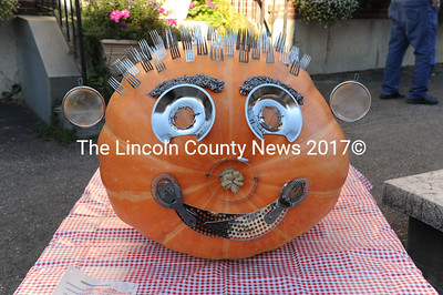 A tribute to Buzz Pinkham in pumpkin art. (Paula Robers photo)