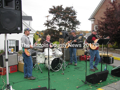 Eddie and the Skidders rocked out the afternoon by The First in Damariscotta to support the American Cancer Society. (John Maguire photo)
