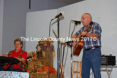Members of Damariscotta Lake Country entertain the crowd at Applefest on Oct. 2. (Alex Toy photo)