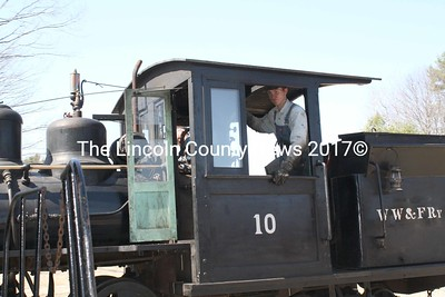 The Easter train ride out of Alna was a great adventure for the kids. (K. Lizotte photo)