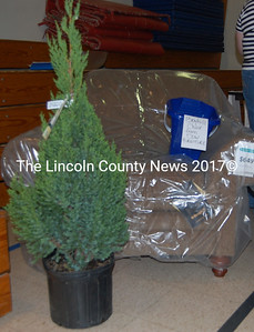 Beautiful raffle prizes abound at the Jefferson Jubilee. (J.W. Oliver photo)