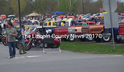 There were crowds aplenty at the Cruisin' to Graduation event at Medomak Valley High School Sunday. (K. Fletcher photo)