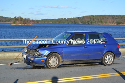 A two-car accident on the Wiscasset Bridge backed up traffic in both directions Nov 18. (A. Brodsky photo)