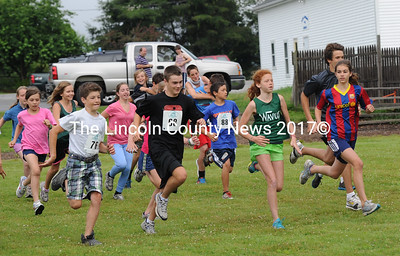 Runners are off in the Strawberry one mile fun run. (Paula Roberts photo)