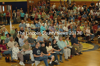 Nearly 350 Waldoboro voters attended a special town meeting on July 9 at MVHS. (Samuel J. Baldwin photo)