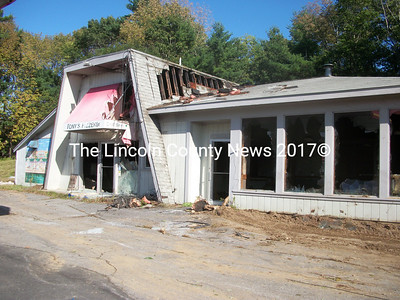 There's extensive damage to the former Tony's Pizza from fire Sept. 18. (A. Brodsky photo)