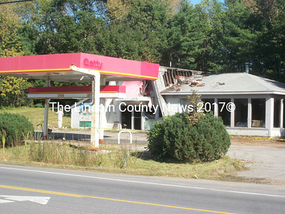 The site of the former Tony's Pizza was set alight by two juvenile suspects, Sept. 18. (A. Brodsky photo)