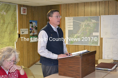 Chip Griffin moderated Edgecomb's special town meeting Jan. 9. (A. Brodsky photo)