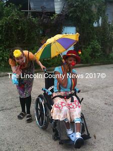 Sadie McCarney and Elizabeth Meade during their adventure in La Carpio, Costa Rica.