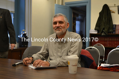 Lincoln County Planner Bob Faunce at the Lincoln County Commissioners' meeting on Dec. 4. (D. Lobkowicz photo)