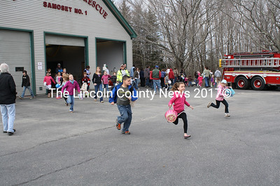 And they're off! Racing to start searching during the Easter Egg Hunt in Bristol. (K. Lizotte photo)