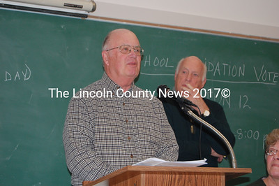 Tom Kostenbader addresses the Bremen annual town meeting. (J.W. Oliver photo)