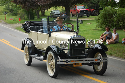 A 1927 Ford, one of many antique automobiles in the parade (J.W. Oliver photo)