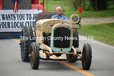 This tractor might not have been the shiniest classic in the parade, but it was probably the most unique. (J.W. Oliver photo)