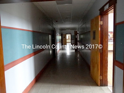 This 80-foot corridor would become part of an indoor walking path, under plans to transform the former A.D. Gray School into the Waldoboro branch of the Central Lincoln County YMCA. (Shlomit Auciello photo)
