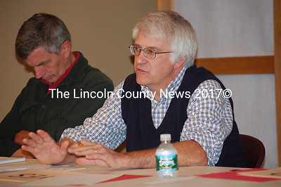 District 51 House candidate Mick Devin speaks as Rep. Les Fossel listens. (J.W. Oliver photo)