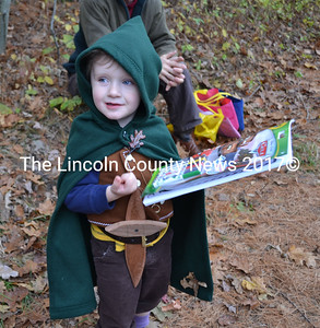 Two-year-old Kelly Manahan, wins a prize for his Hobbit costume. (Kathy Onorato photo)