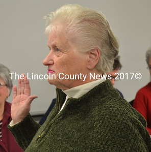 Elaine Porter is sworn in as a member of the Somerville Planning Board on Nov. 19. (D. Lobkowicz photo)
