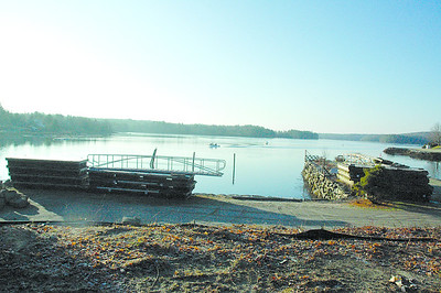 Newcastle voters will decide whether to accept a donation of two boat slips and parking spaces at Newcastle Shores Marina at a special town meeting Dec. 3. (J.W. Oliver photo)