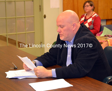 Ron Smith of RHR Smith and Company dicusses the Fiscal Year 2012 audit with the Wiscasset Board of Selectmen Jan. 7. (Kathy Onorato photo)