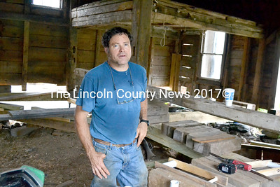 Local housewright Jim Derby is repairing and moving an over 200-year-old barn in North Waldoboro. (D. Lobkowicz photo)