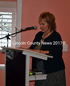 Manie's First Lady Ann LePage delivers her opening remarks at a veterans' job conference in Edgecomb Sept. 25. (Kathy Onorato photo)