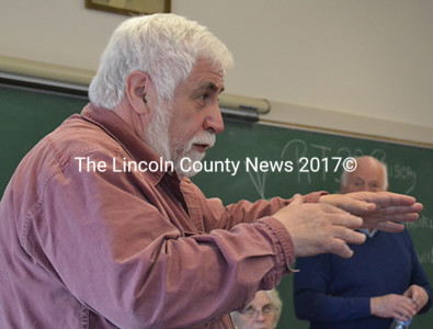 Bremen Selectman Hank Nevins speaks about service to the town at town meeting March 29. (D. Lobkowicz photo)