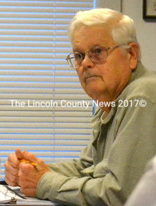 Waldoboro Budget Committee member John Higgins proposed a cut to the town's funding of the Waldoboro Public Library, but was unable to persuade his fellow committee members. (D. Lobkowicz photo)