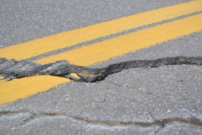 A close-up look at one of the many vertical shifts in pavement on Route 32 in Bremen. (D. Lobkowicz photo)