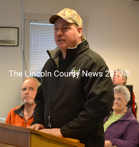 Waldoboro Shellfish Conservation Committee Chair Abden Simmons speaks about recreational shellfish license fees March 10. (D. Lobkowicz photo)