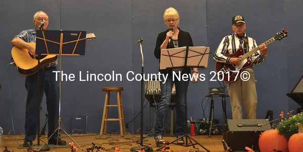 The Damariscotta Lake Band provided live musical entertainment at the Nobleboro AppleFest. (Alexander Violo photo)