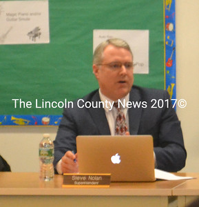 Superintendent Steve Nolan delivers his report to the RSU 40 Board of Directors Feb. 4. (Alexander Violo photo)