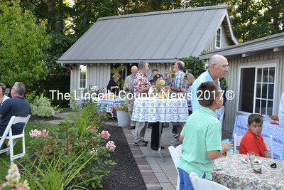 Guests enjoy a summer evening at the Bands for Books fundraiser. (Charlotte Boynton photo)