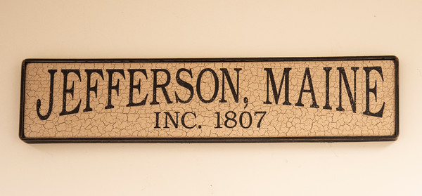 A sign welcomes residents to the town office in Jefferson. (Bisi Cameron Yee photo, LCN file)