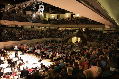 The Memorial Hall was packed on Saturday night to enjoy the final Plymouth Phil concert of it's 98th season.