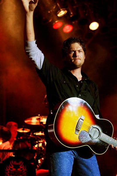 Blake Shelton Concert at Indian Summer  (6)