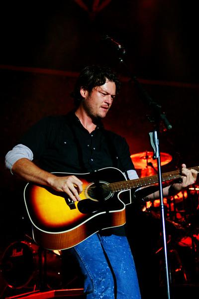 Blake Shelton Concert at Indian Summer  (21)