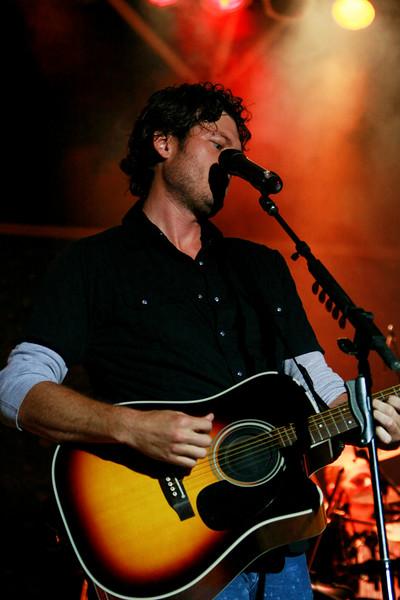 Blake Shelton Concert at Indian Summer  (19)