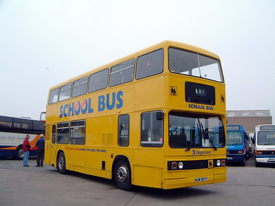 Stagecoach Bluebird 10587 Depot Macduff 2 May 04