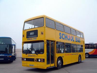 Stagecoach Bluebird 10587 Depot Macduff 1 May 04