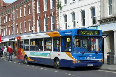 34588 - KX04RVC - Salisbury (Blue Boar Row)