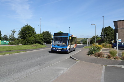 47598 approaches the Park and Ride at Dartmouth