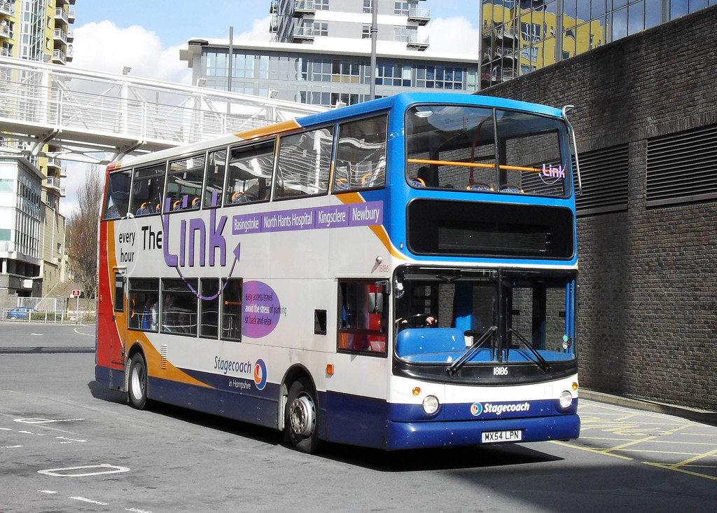 18186 - MX54LPN - Basingstoke (bus station) - 15.3.10