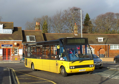 47067 - SF04SKN - Farnborough (Main railway station) 2.1.14
