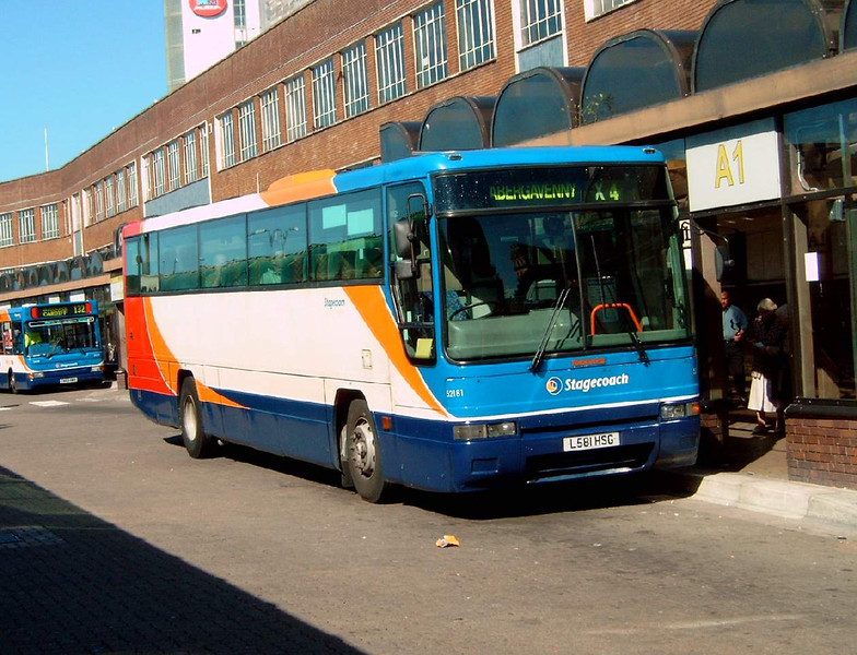 52181 - L581HSG - Cardiff (bus station) - 1.8.07