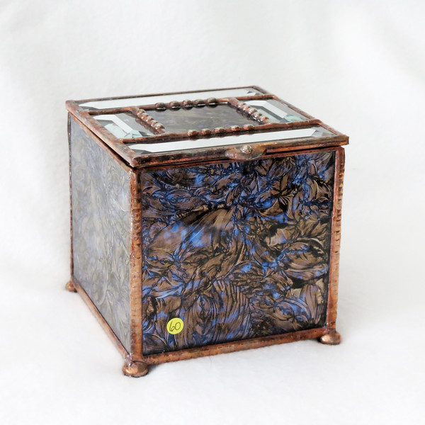 #60. $70.00 Unique Van Gogh glass, box/URN