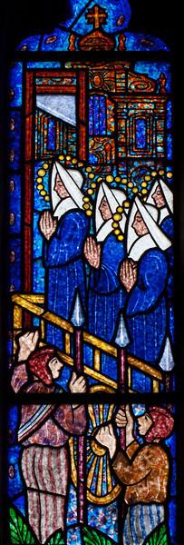 Etrapagny, Saint-Gervais-Saint-Protais Sainte Madeline Fontaine Window Praying Nuns